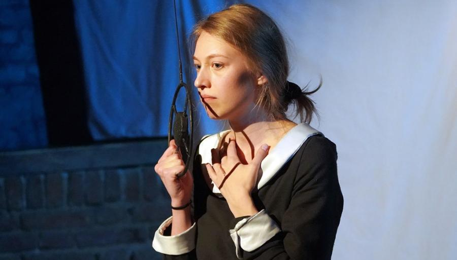 Три жизни измученной поэтессы: в Твери состоялась премьера моноспектакля «Ленинградская Мадонна»
