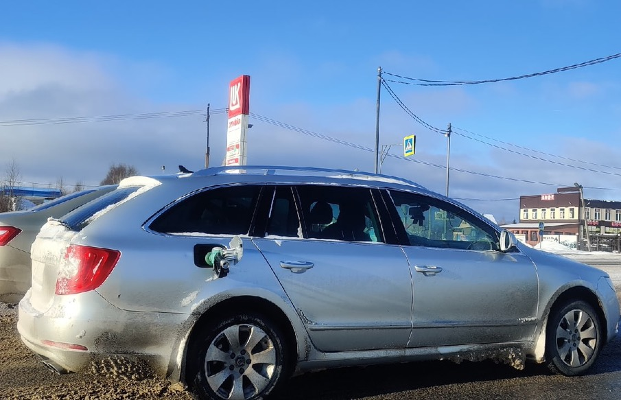 В Тверской области водитель уехал с АЗС с «пистолетом» в баке - новости Афанасий