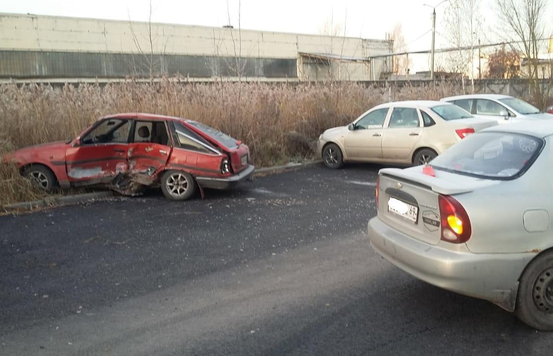 В Твери устанавливаются обстоятельства ДТП с пострадавшим на улице Бочкина - новости Афанасий