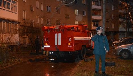 В Заволжском районе в жилом доме произошло возгорание в мусоропроводе