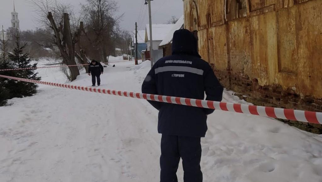 В Торжке Тверской области разрушается памятник архитектуры первой половины XIX века