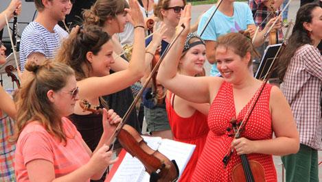 В Тверь с гастролями приехал самый мобильный и экстравагантный оркестр в мире