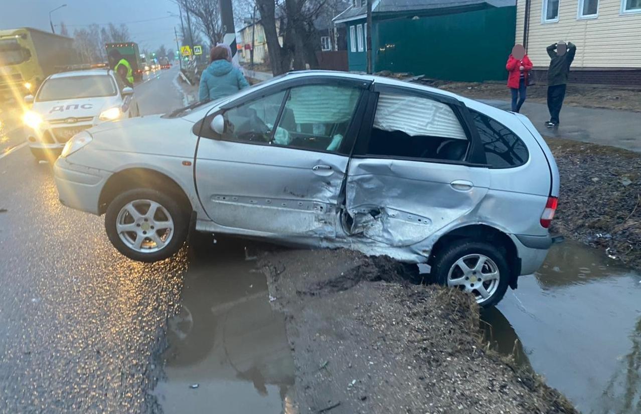 В ДТП на трассе М10 в Вышнем Волочке пострадал человек