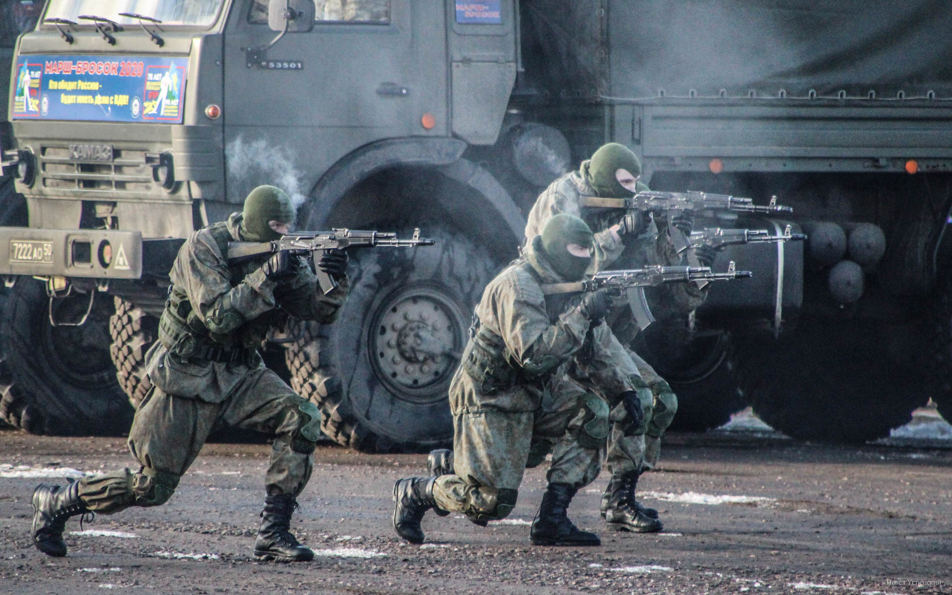 В Твери спецназ ВДВ устроил шоу с огнем и стрельбой - новости Афанасий