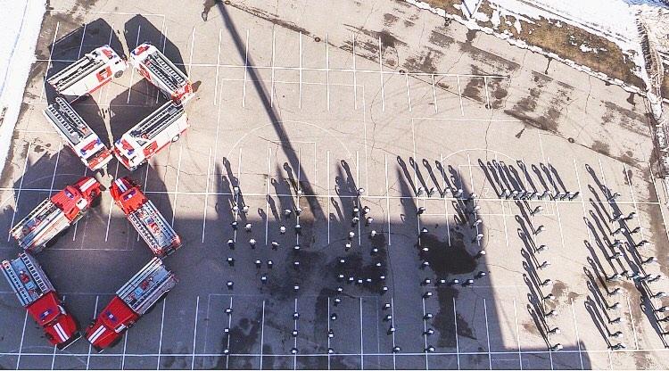 В Твери пожарные оригинально поздравили женщин с 8 марта - новости Афанасий