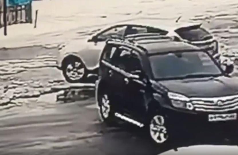 Хамство на парковке: в Тверской области ищут очевидцев ДТП - новости Афанасий