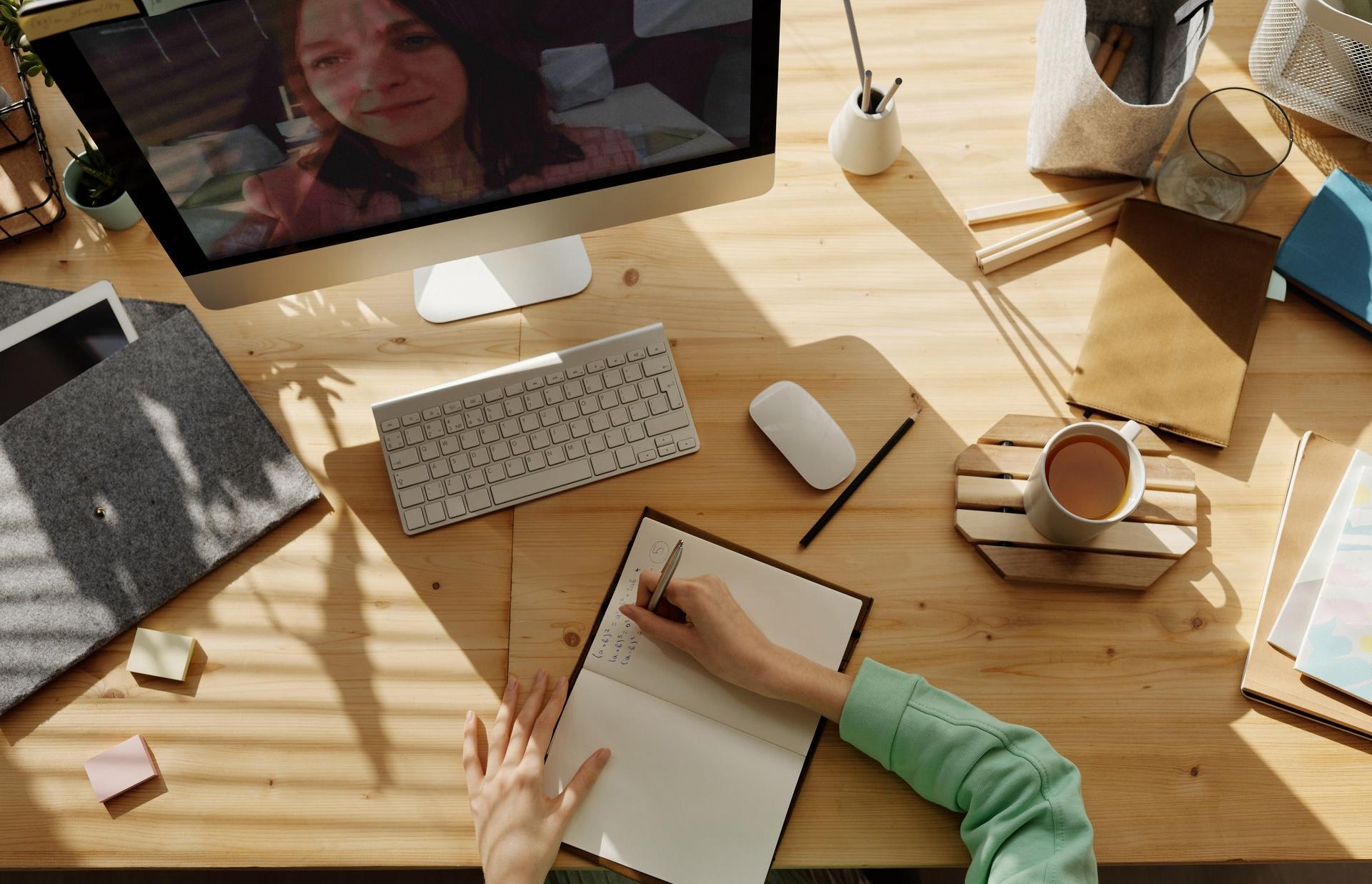 Российские школьники и их родители оценили возможности образовательных онлайн-сервисов