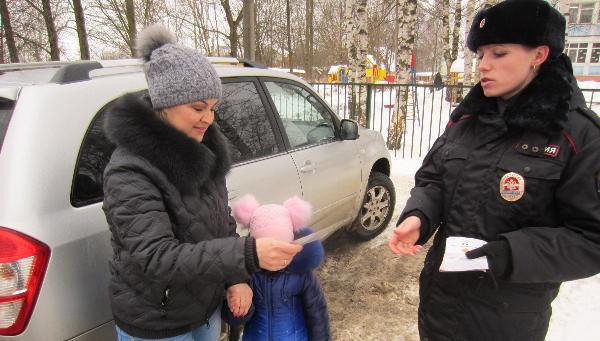 Сотрудники Госавтоинспекции проверили, как тверские водители перевозят детей в автомобилях