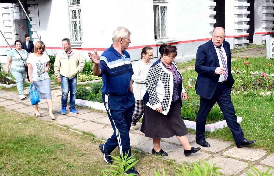 В Зубцовском районе активно ремонтируют дороги и осваивают новую транспортную модель