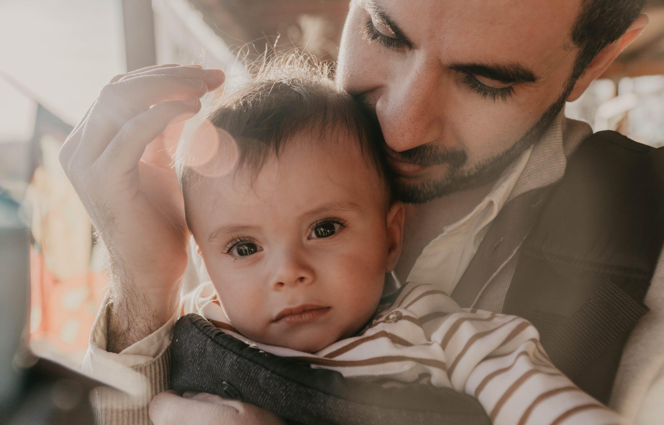 Отцы-одиночки получат материнский капитал - новости Афанасий