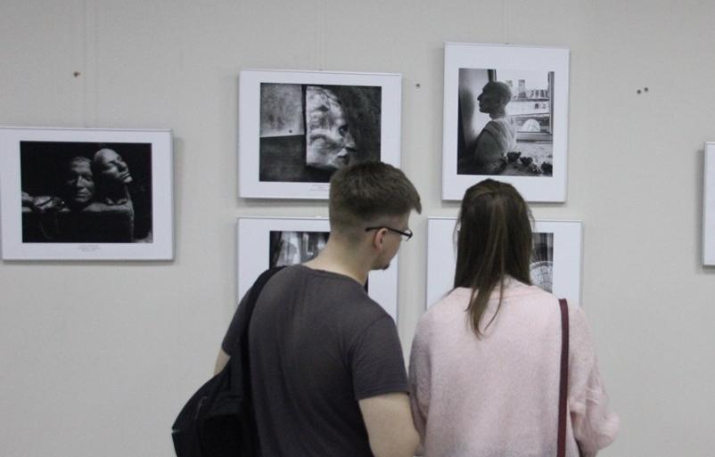 Исследовать изображения. В Твери открылась выставка фотонатюрмортов «Поэтика вещей» - новости Афанасий