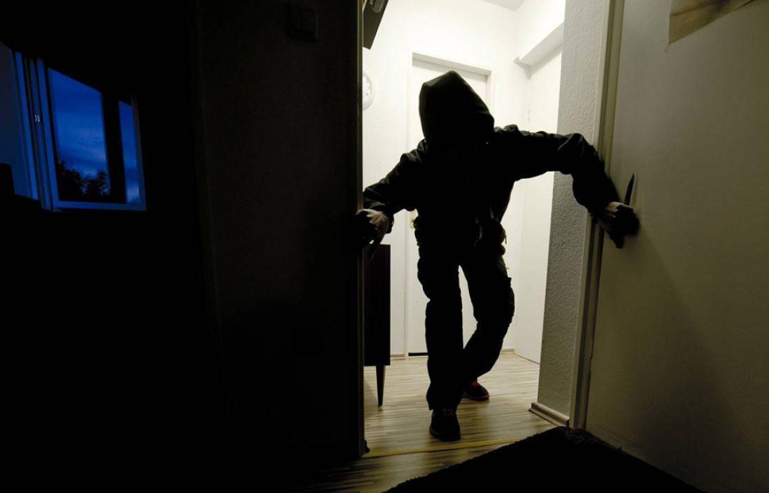 В Тверской области мужчина обокрал умершую соседку - новости Афанасий