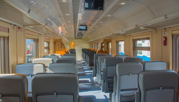 ТВЗ поставит Свердловской пригородной компании новые комфортабельные вагоны с местами для сидения