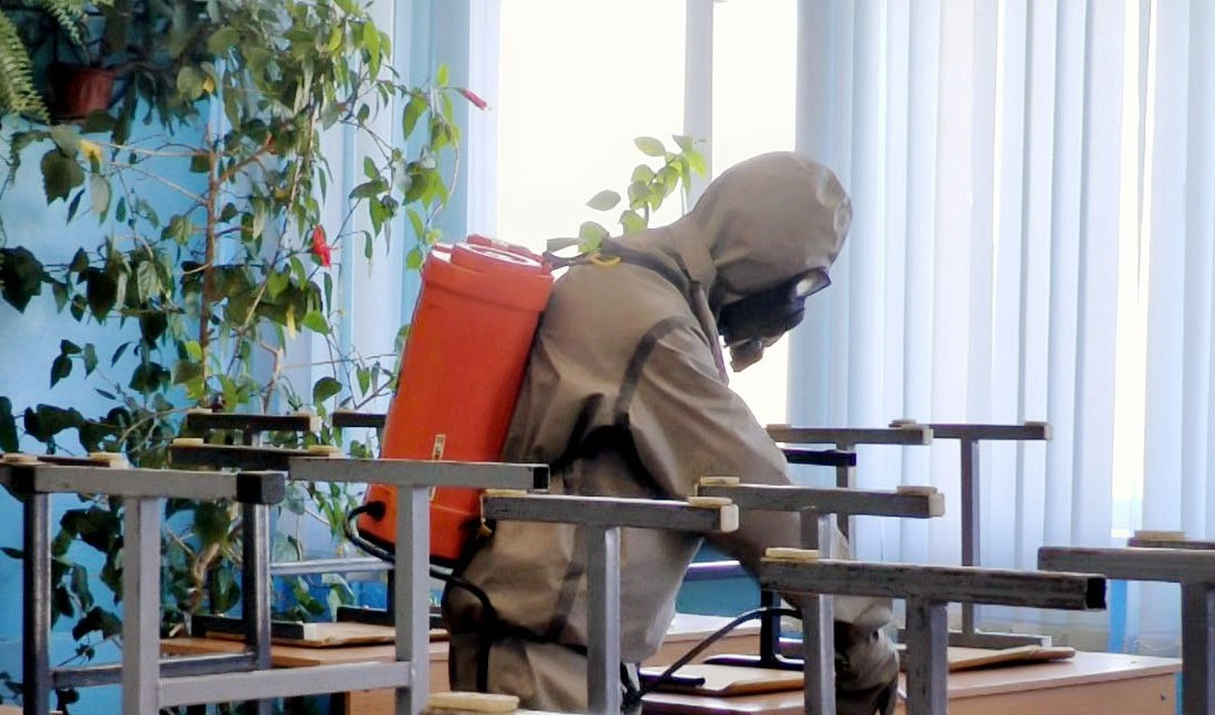 На каникулах в Твери дезинфицируют школы