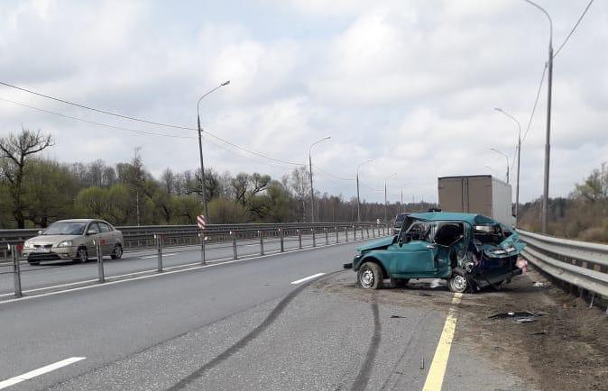 В ГИБДД рассказали о причинах ДТП с фургоном и «Нивой» на М10 в Тверской области - новости Афанасий