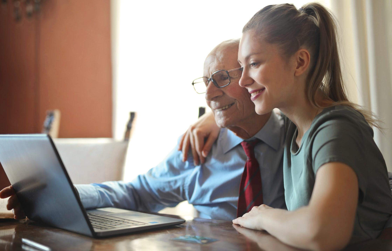 Кто получит повышенную пенсию еще до Нового года, рассказали в ПФР - новости Афанасий