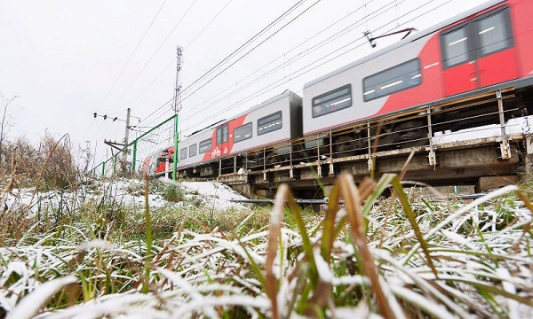 Более тысячи пассажиров перевезли за год согласованные с электричкой автобусы в города Тверской области