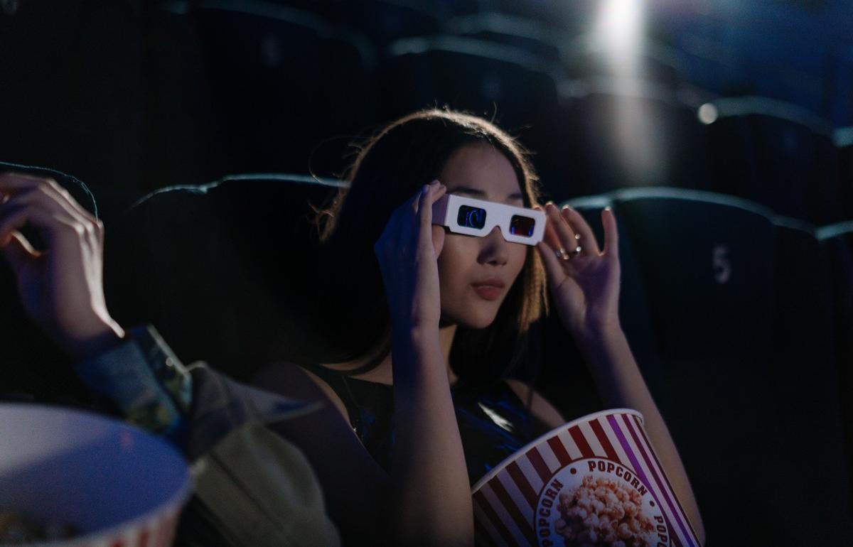 В кинотеатрах будут предупреждать о длительности рекламы перед сеансом - новости Афанасий