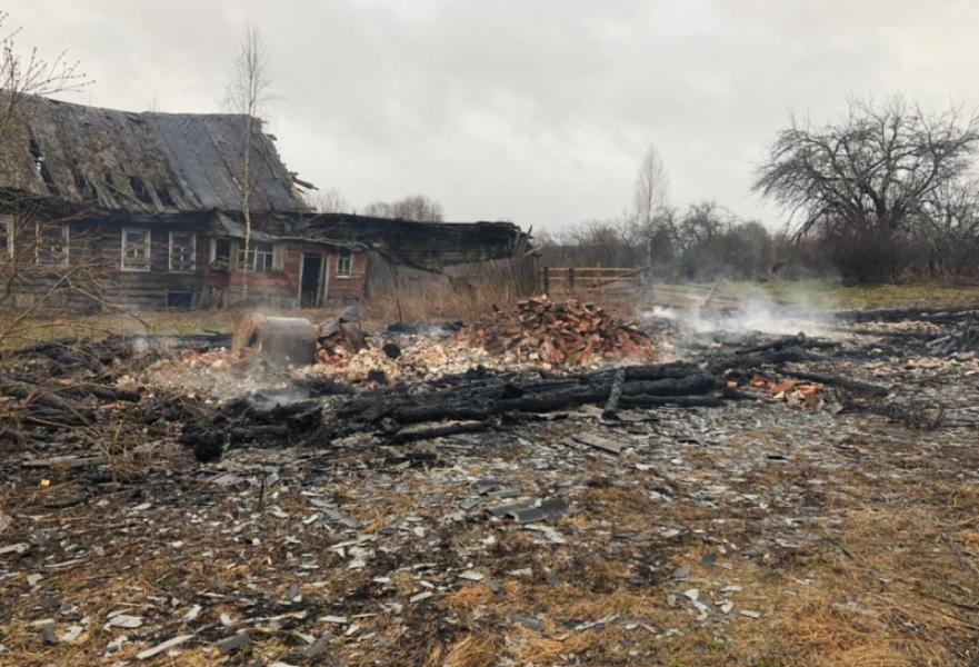 Тело погибшего мужчины нашли в сгоревшем доме в Тверской области