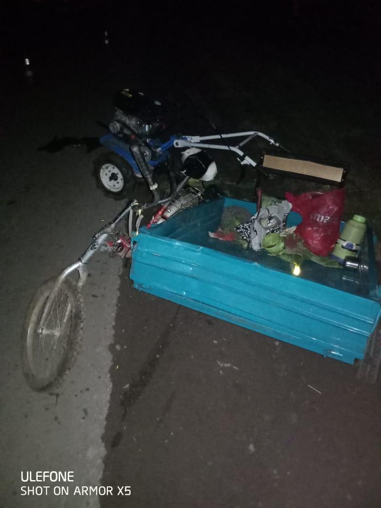 В Тверской области в момент ДТП женщина выпала из прицепа и сломала ногу