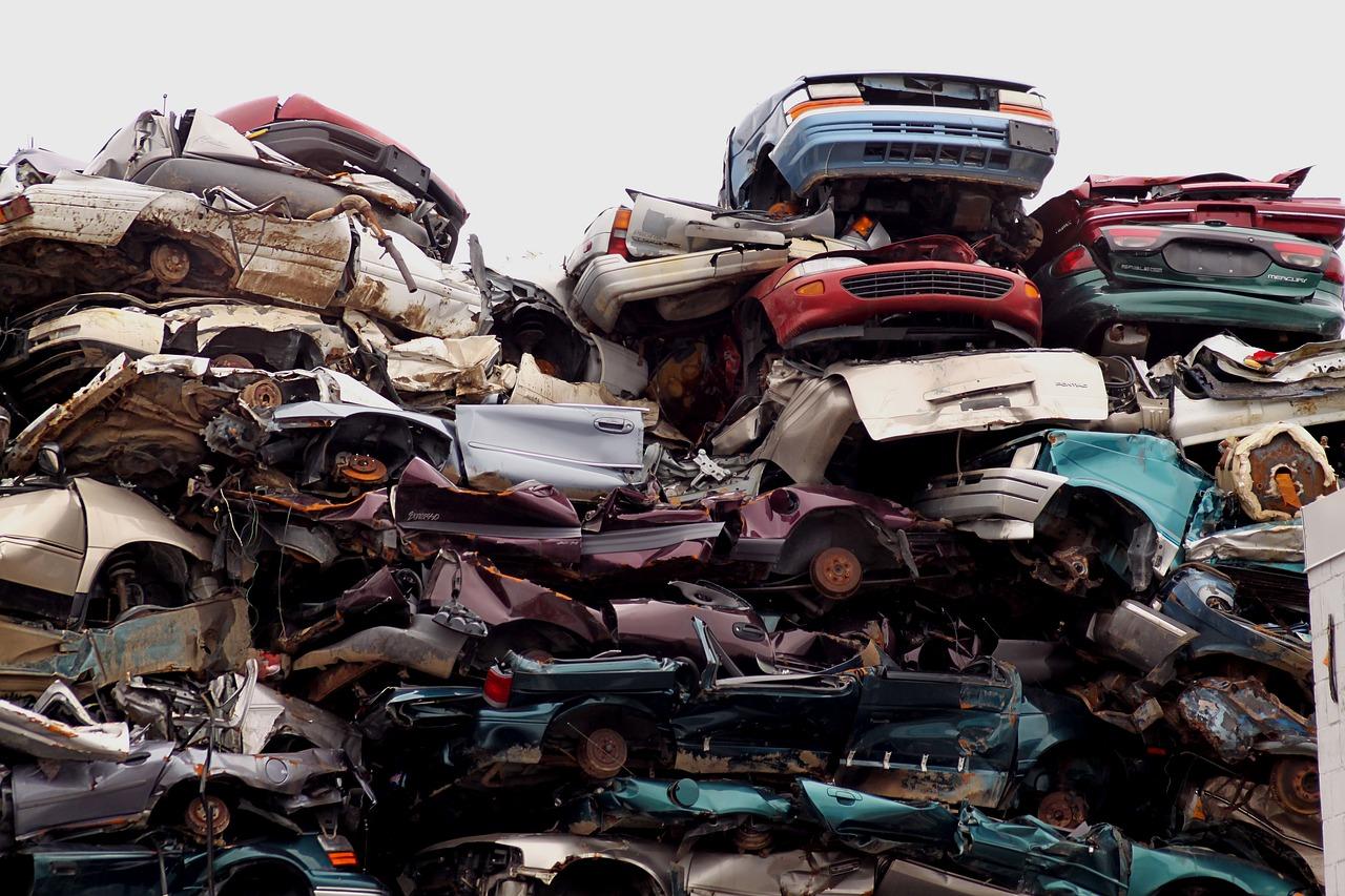 С улиц Твери принудительно уберут три брошенных хозяевами автомобиля - новости Афанасий
