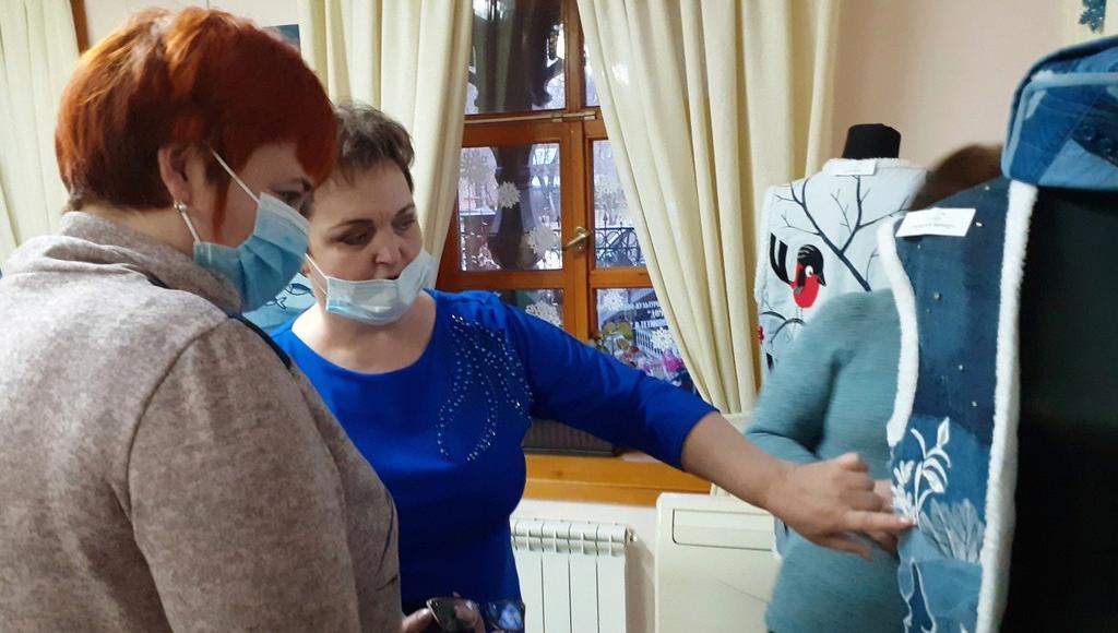 В Астрахани проходит выставка работ мастерицы из Тверской области - новости Афанасий