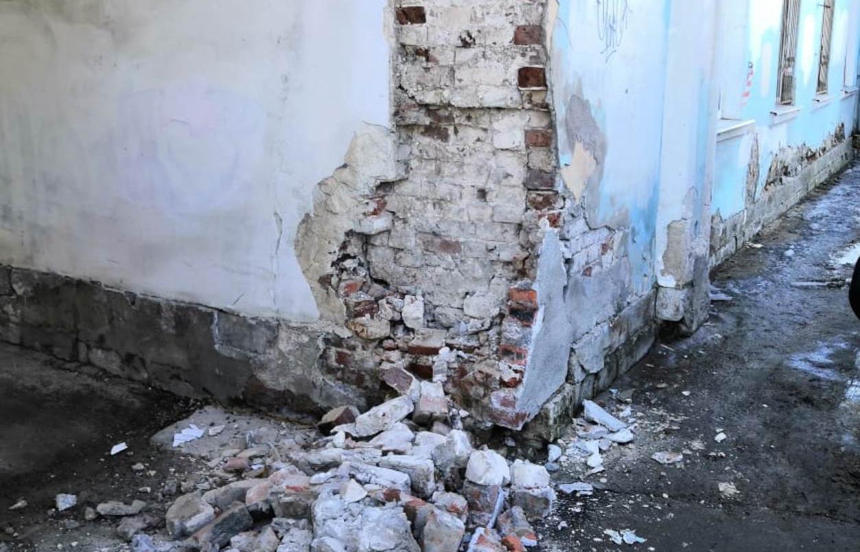 В Твери на набережной Степана Разина обвалилась часть арки — ее восстановят - новости Афанасий