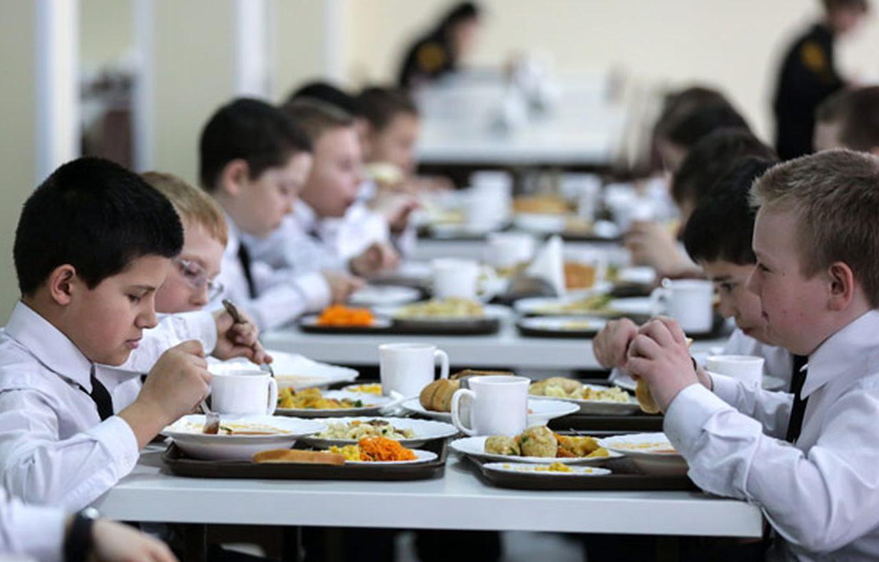 В Твери детей в школах будут кормить на 34 рубля сытнее - новости Афанасий