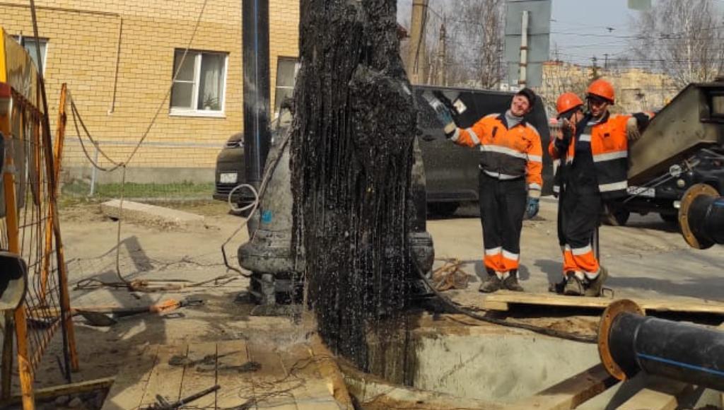 Коммунальщики показали, какие засоры извлекают из канализационных коллекторов - новости Афанасий