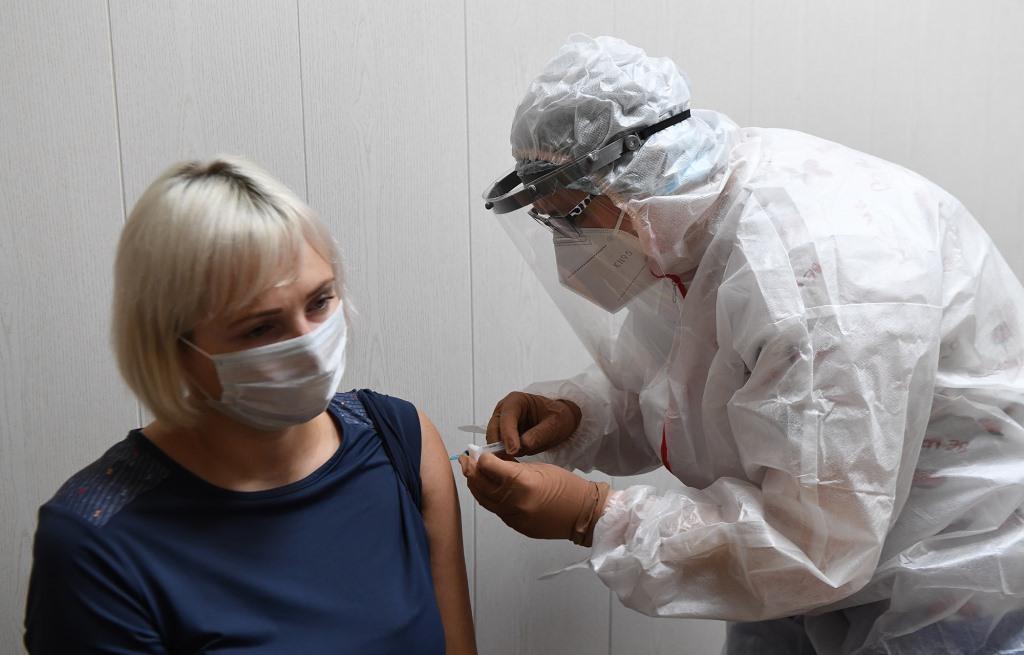В Тверской области создадут еще 27 стационарных пунктов для вакцинации от коронавируса и пустят спецавтомобили - новости Афанасий