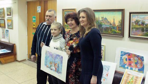 В Твери подвели итоги конкурсов детского рисунка «Новогодняя открытка – 2015» и «Волшебная кисточка»