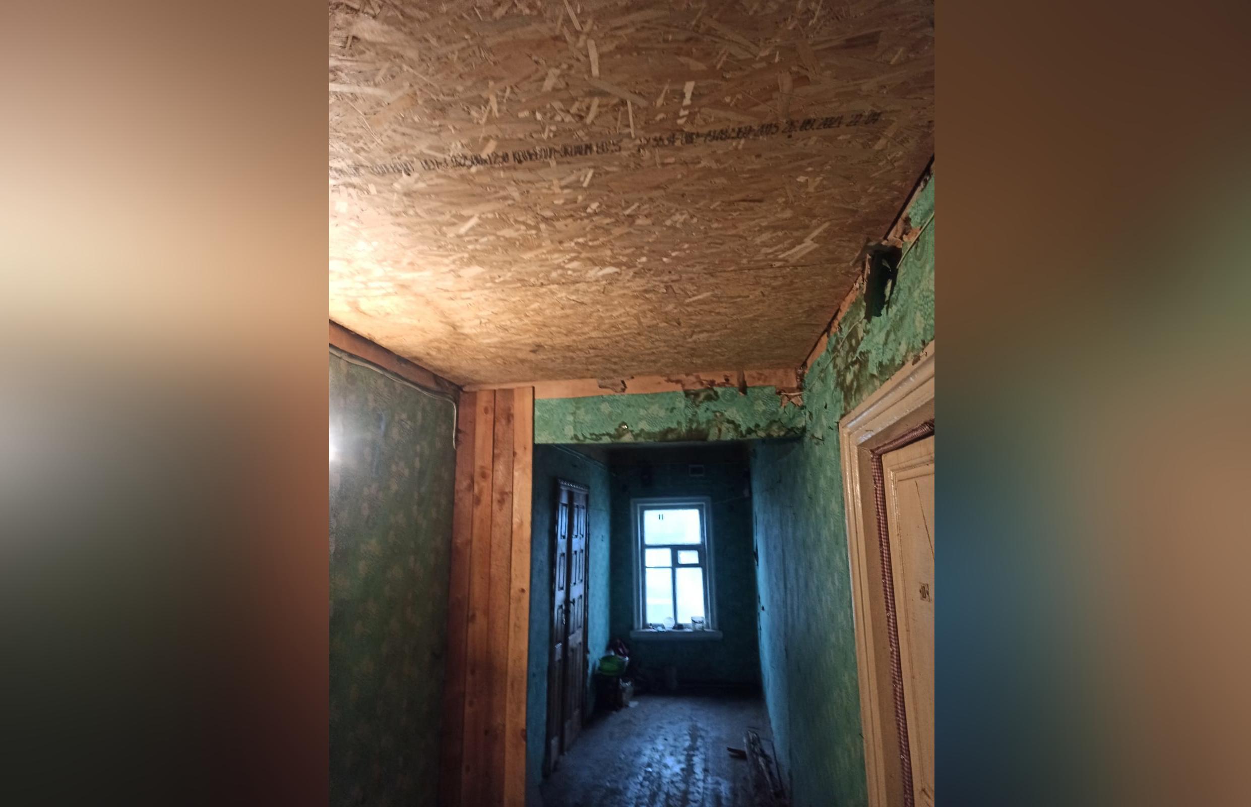 В Тверской области отремонтировали обрушившийся в доме ветерана потолок - новости Афанасий