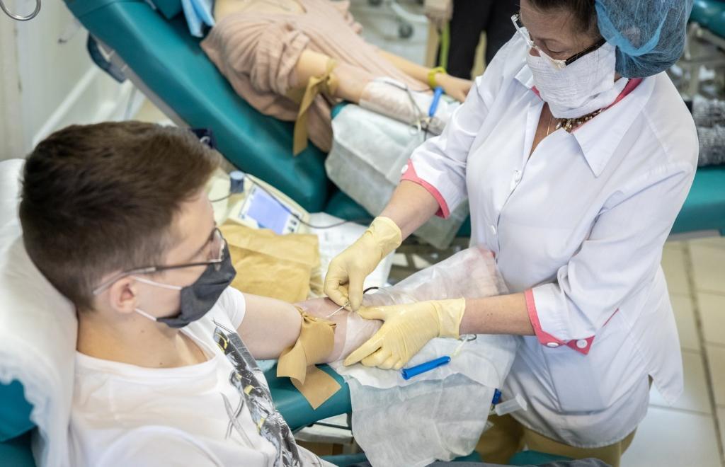 Волонтеры ТвГТУ провели «День донора»: кровь сдали несколько десятков человек - новости Афанасий