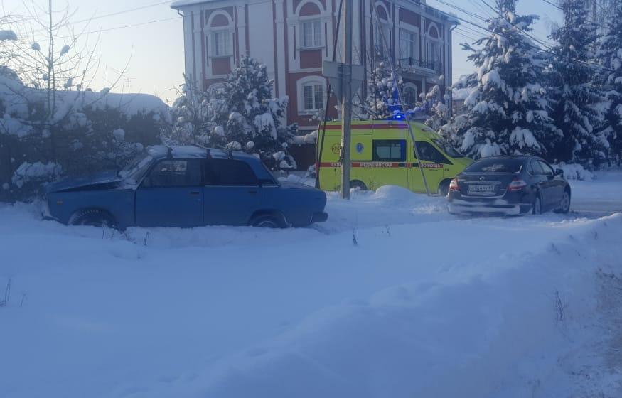 В Твери водитель «Лады» получил травмы при столкновении с Nissan - новости Афанасий