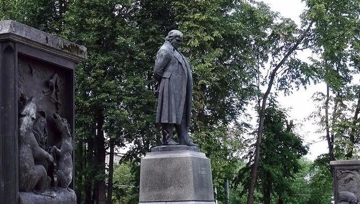 В Твери отмечают 250-летие баснописца Ивана Крылова