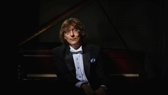 В Твери выступит всемирно известный пианист Сергей Тарасов