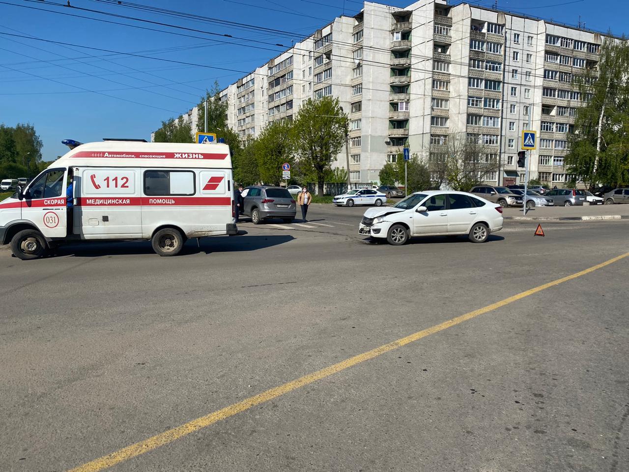 В столкновении двух автомобилей в Твери пострадал один человек - новости Афанасий