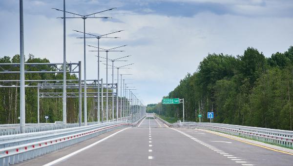 Открыт самый протяженный участок платной скоростной трассы М-11