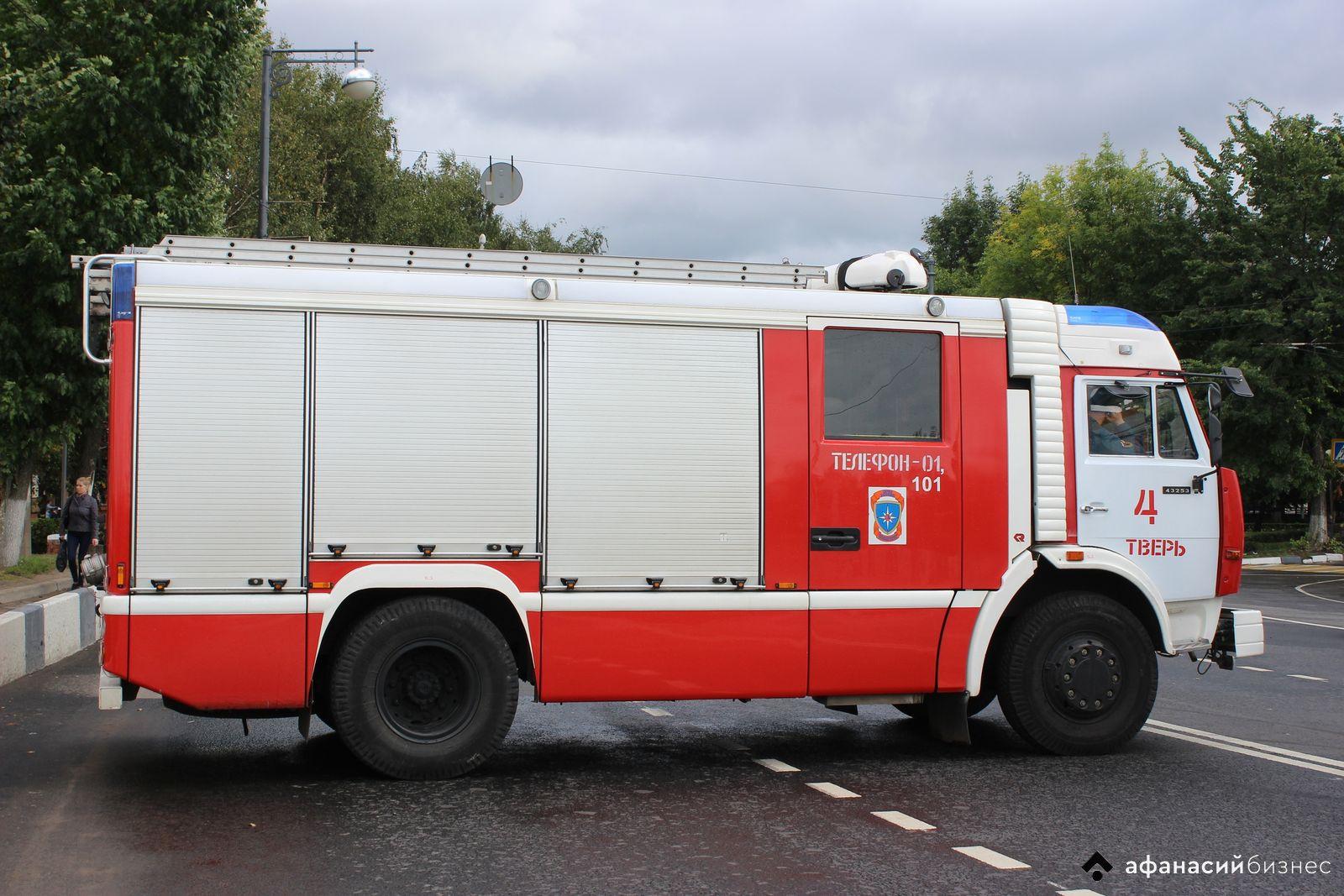 В центре Твери сожгли припаркованный автомобиль
