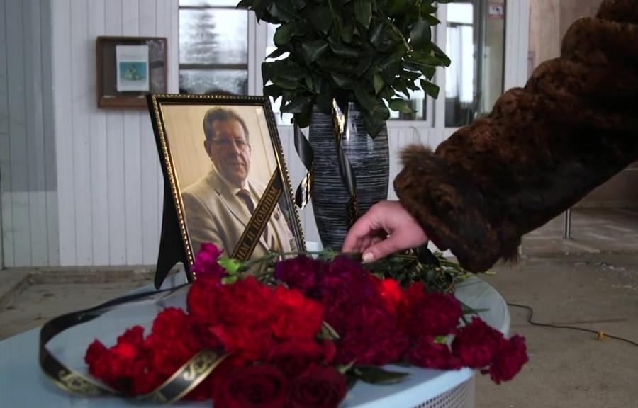 «Люди шли, несмотря на сильный мороз». В Тверской области простились с умершим от коронавируса бизнесменом Дмитрием Михальченко - новости Афанасий
