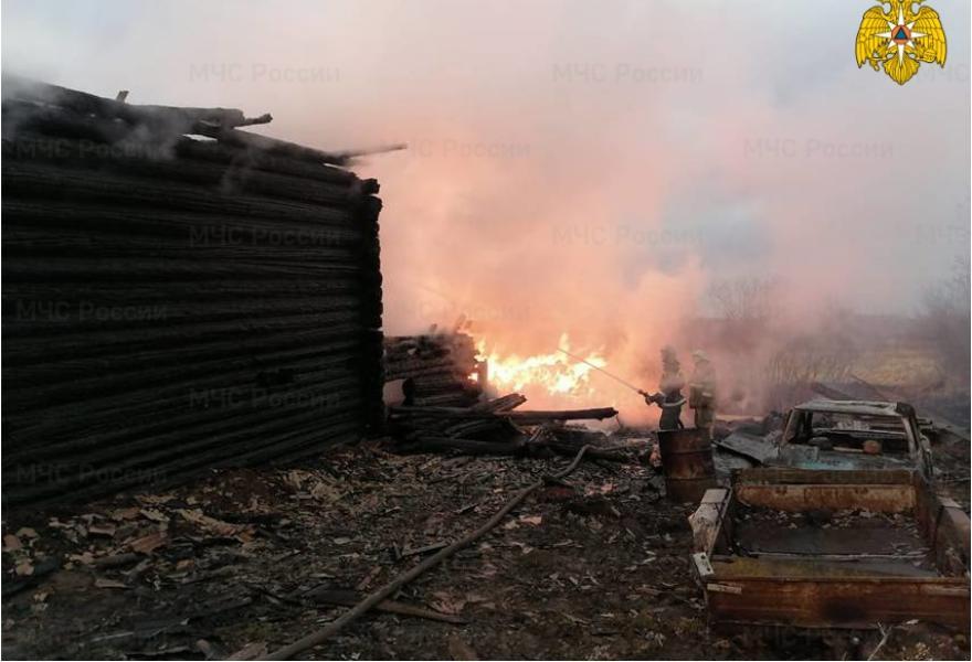 Два человека погибли в огне на пожаре в Тверской области