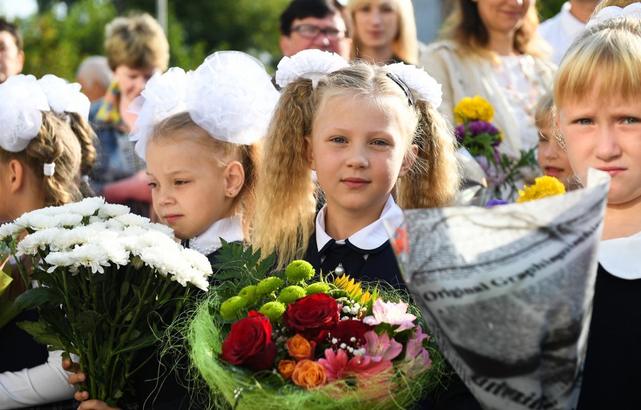 Игорь Руденя высказался за очное обучение школьников в следующем учебном году - новости Афанасий
