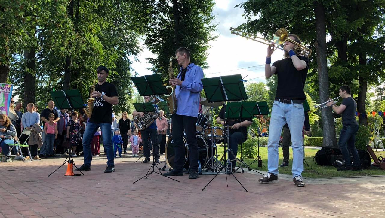 В Горсаду Твери по выходным можно послушать живую музыку