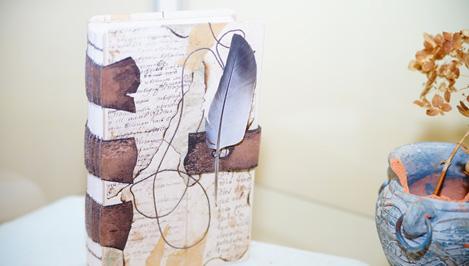 В Твери открылась выставка авторских книжных переплетов