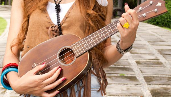 На фестивале «Ротонда» все желающие смогут научиться рисовать и играть на укулеле