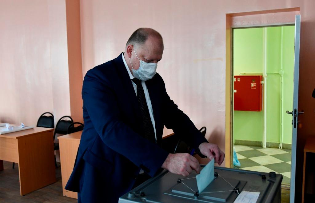 Сегодня в Тверской области открылись 1155 участков для голосования по поправкам в Конституцию - новости Афанасий