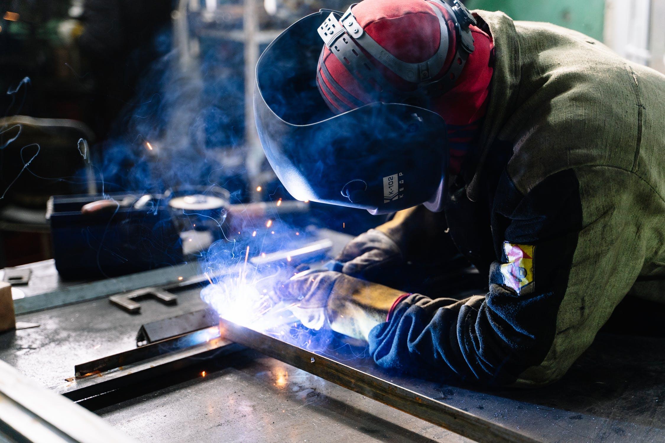 Названы самые высокооплачиваемые рабочие вакансии в Тверской области