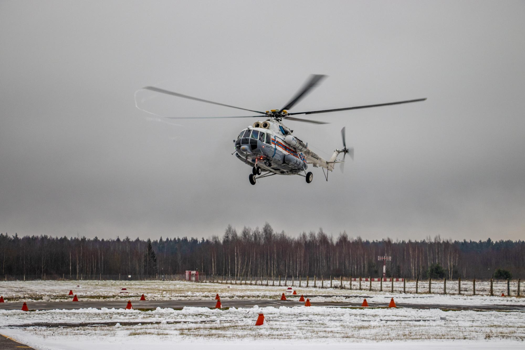 Экипажи санавиации МЧС в Тверской области работают в противочумных костюмах - новости Афанасий