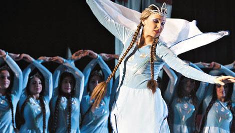 В Твери на фестивале «Диалог культур» выступит академия национального танца «Hovik Studio»