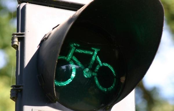 В Твери нетрезвый велосипедист попал под машину - новости Афанасий